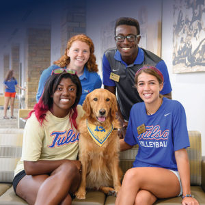Orientation Leaders with Goldie upstairs in the Allen Chapman Student Union during new student orientation